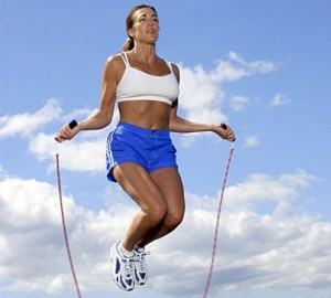 HIIT is great with a jump rope, but beware of common workout mistakes before trying it! CREDIT: stayhealthier