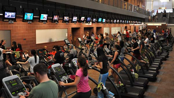 Treadmills and ellipticals galore! Credit: The Ohio State University/Office of Student Life/Department of Recreational Sports