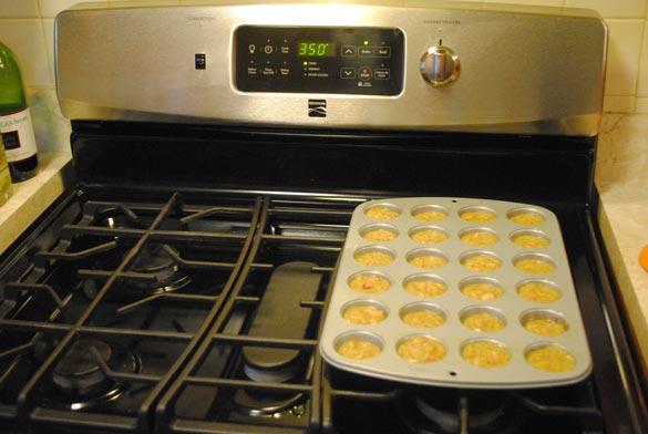 paleo-strawberry-muffins-oven