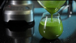 Green Smoothie, lets get juicin'