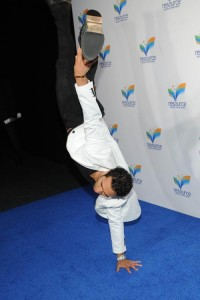 Brett's one handed handstand on the red carpet.