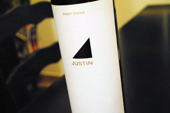 paso-robles-justin-wine-bottle