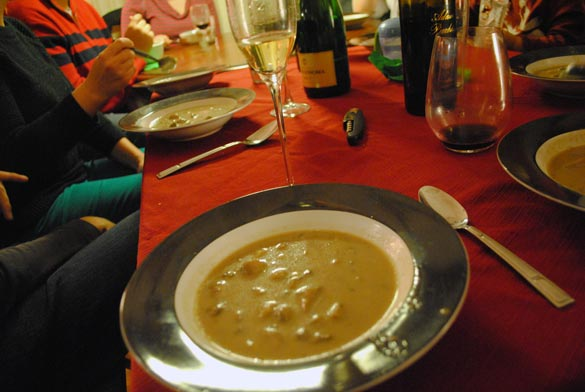 friend-feast-soup