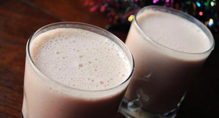 vegan-egg-nog-glasses-435