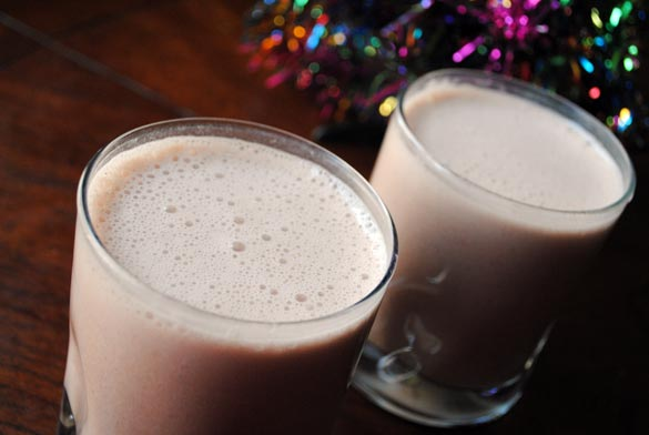vegan-egg-nog-glasses