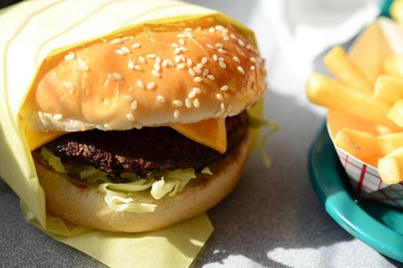 bill-burger-585