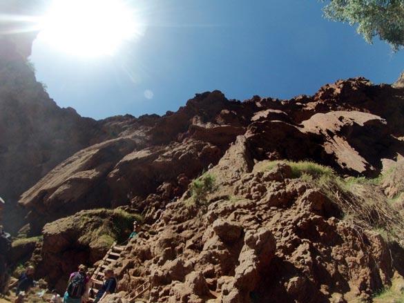climb-down-mooney-falls