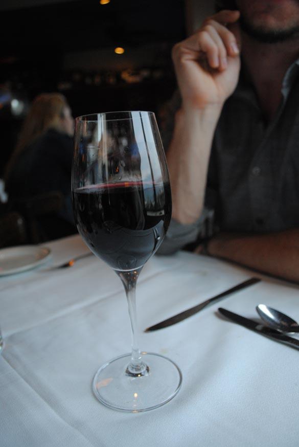 seattle-dinner-wine