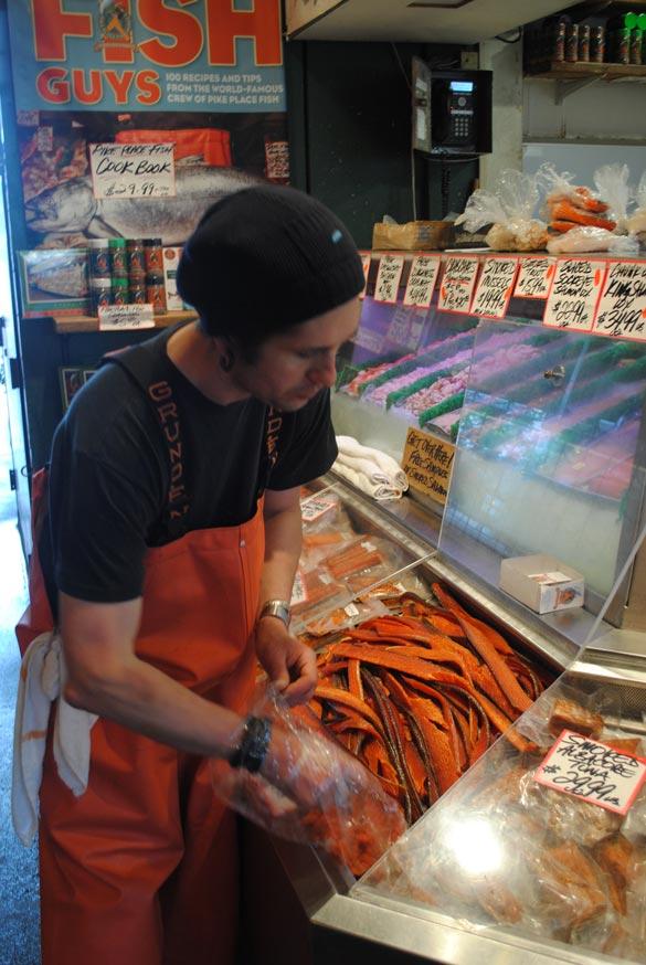 seattle-pike-place-salmon