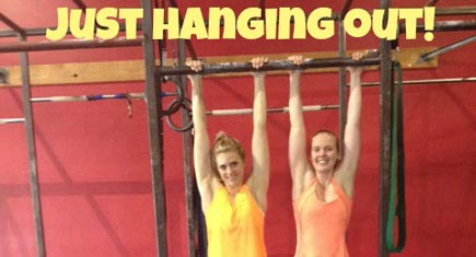 Lauren-Sesselman-hanging-435