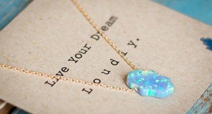 nikki necklace