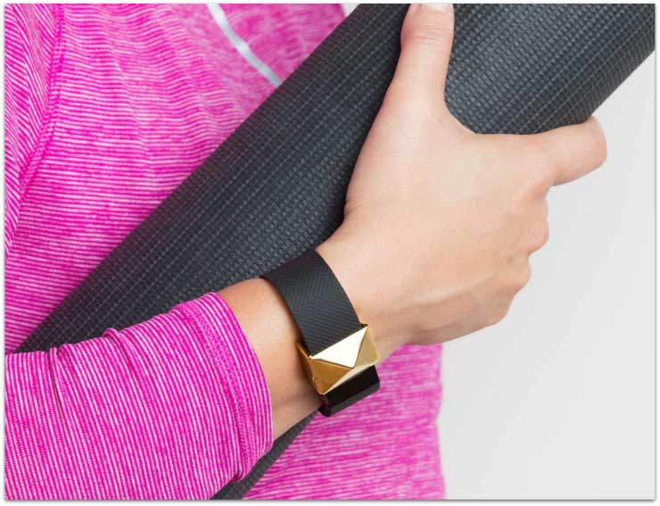 stud-charm-for-Fitbit-Charge-edited