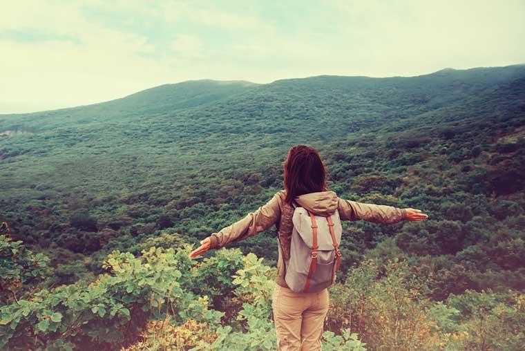 girl-happy-travel-hiking-760