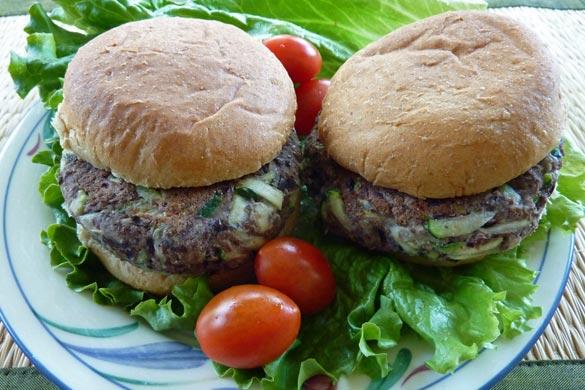 three-ingredient-burger-585
