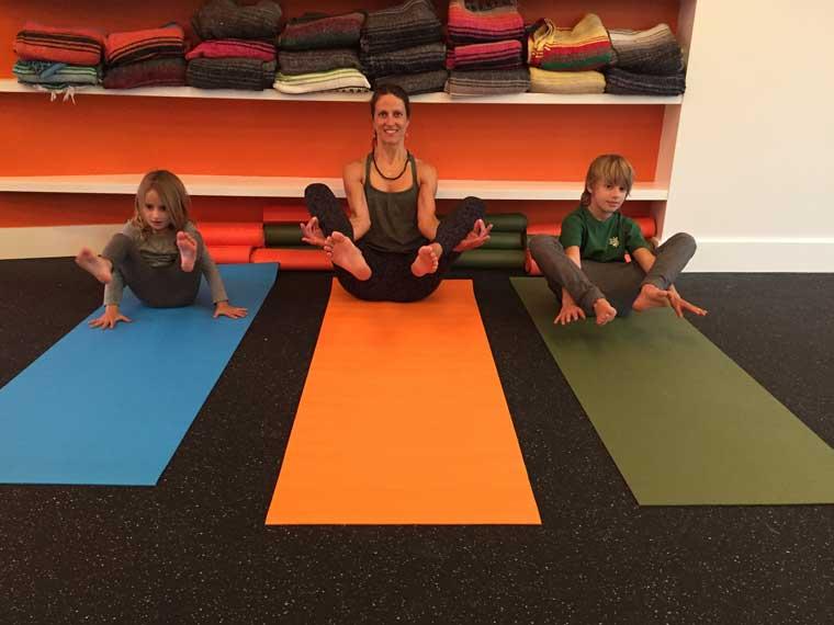 yoga-poses-for-kids-flower