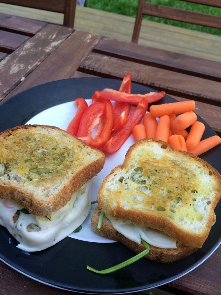 daiya-sandwiches