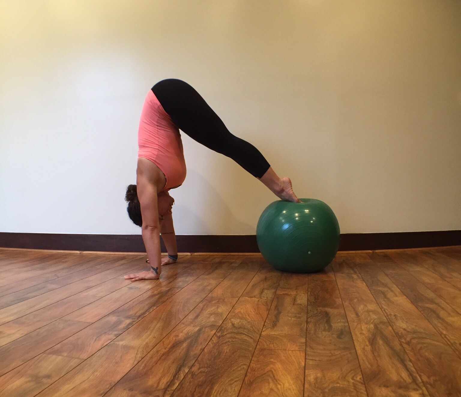 Plank Using Fit Ball And Bosu Ball: 4 Stability Ball Plank Variations For A Seriously Solid