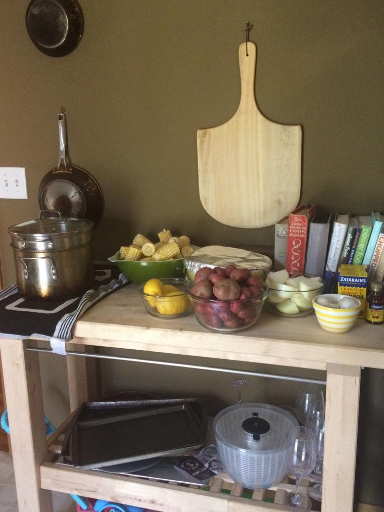 friend-feast-boil-prep