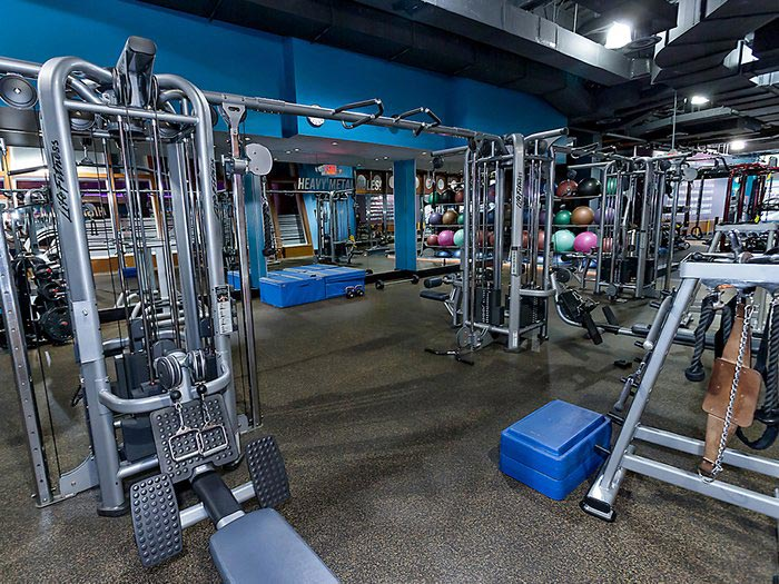 crunch-fitness-equipment