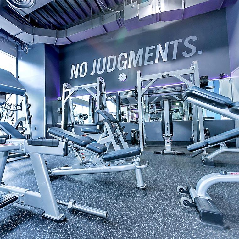 crunch-fitness-no-judgements